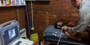 aidhoc - Ultraschall - medizinische hilfe flüchtlingscamp griechenland
