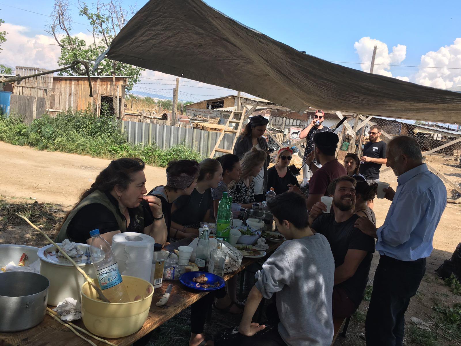 ostersonntag - aid hoc Hilfseinsatz Flüchtlingslager Griechenland