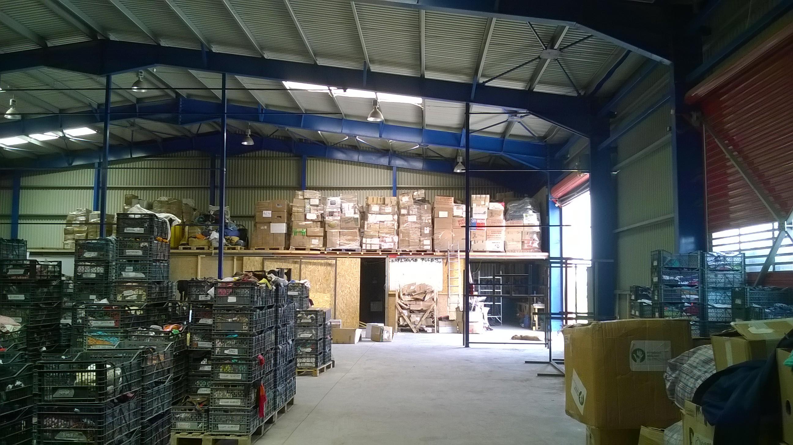 warehouse - aid hoc Hilfseinsatz Flüchtlingslager Griechenland